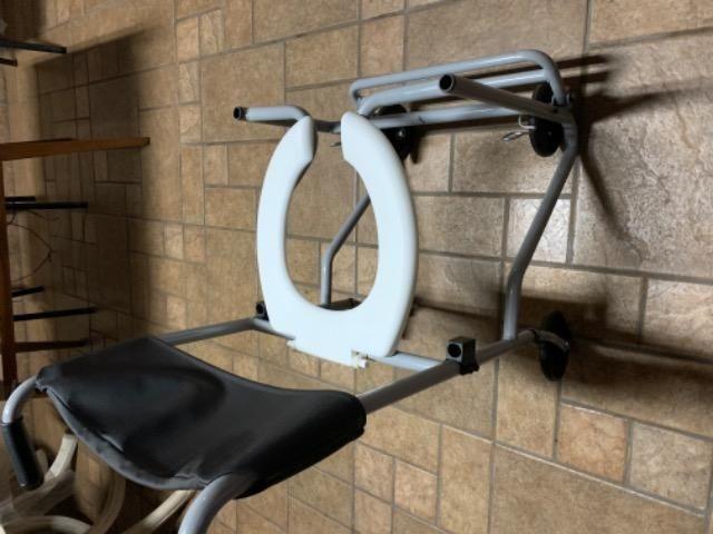 Cadeira de banho - usada - Foto 2
