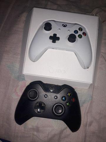 Vendo 2 controle xbox one s valor negociável
