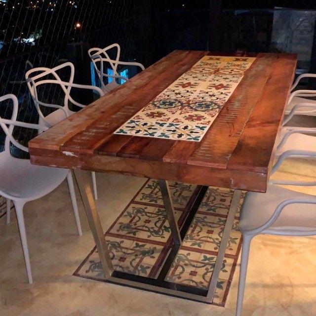 Mesa de jantar 2,40x1,00 rustica em madeira de demolição e ladrilho hidráulico. - Foto 6