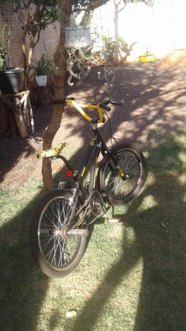 Bicicleta aro 20  troco pouco usada - Foto 2