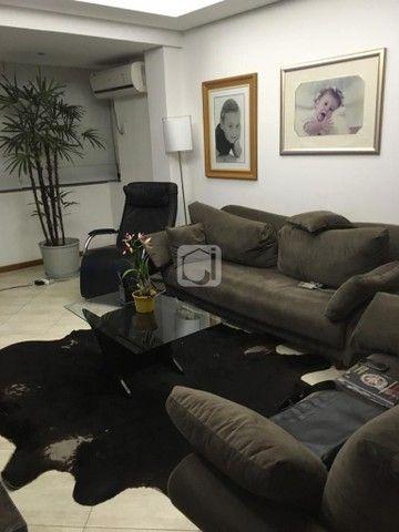 Apartamento de 3 dormitórios, 5 banheiros, 2 vagas de garagem, localizado no Bairro Nossa  - Foto 6