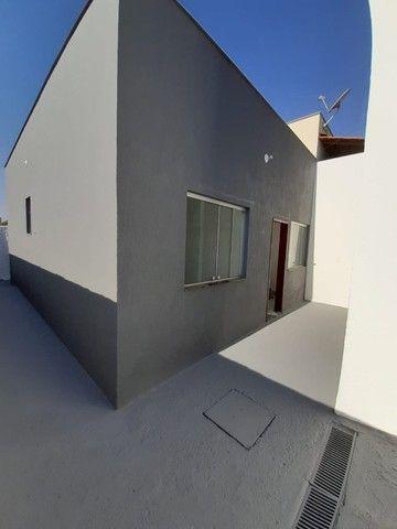 Vende-se Excelente Casa com Área Privativa no Bairro Planalto em Mateus Leme - Foto 4