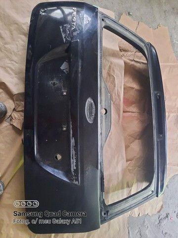 Porta mala traseira do Ford Fiesta 2004
