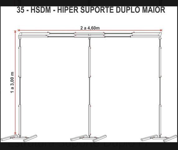 Estrutura para suporte de banner cortinado