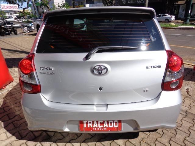 Toyota-Etios HB 1.5 X Plus - Foto 3