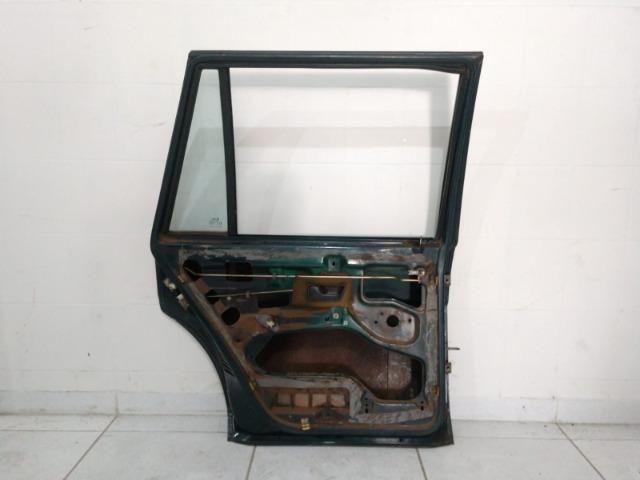 Porta traseira esquerda VW Santana 91 a 06 - Foto 2