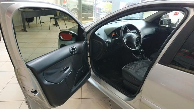 Peugeot 207 XR (2009) Completo - Foto 7