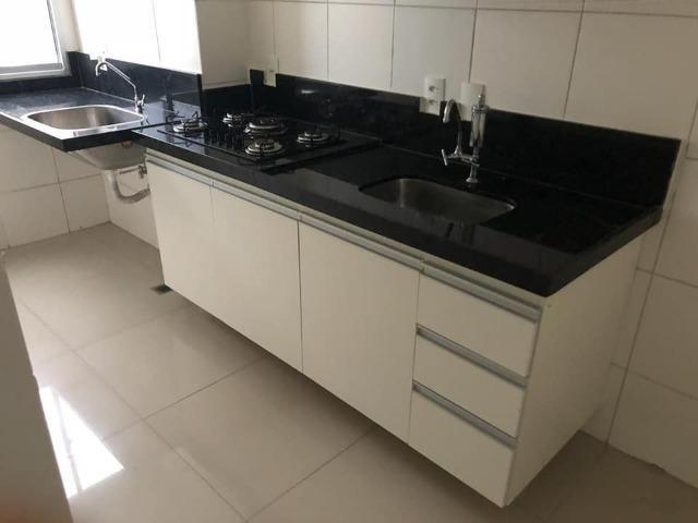 Apartamento com móveis projetados - Cond. Clube Costa Araçagi - Foto 7