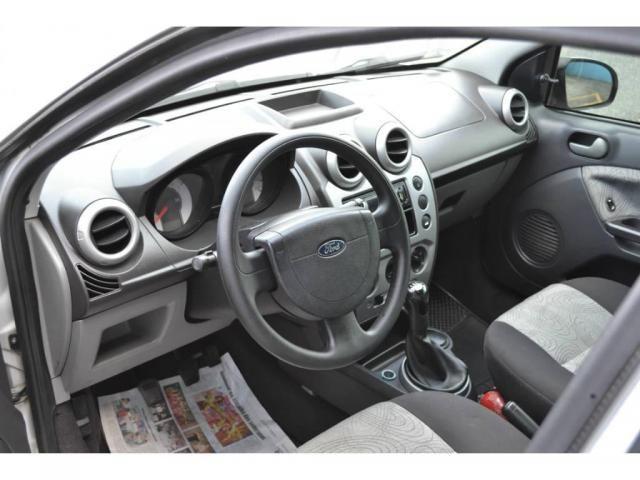 Ford Fiesta Sedan 1.0 Flex - Foto 2