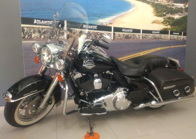 Harley Davidson Road King Classic 2010. Revisada