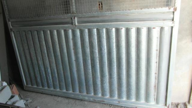 Portao metalon com chapa lambril 2,45x2,33 - Foto 2