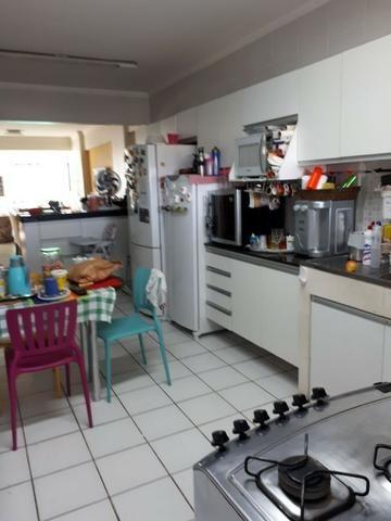 Vende-se Excelente Apartamento no Marco com 3 suites, Porteira Fechada - Foto 8
