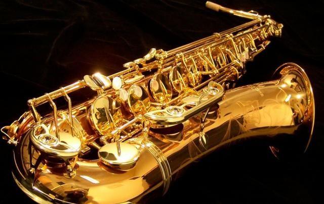 Manuntenção em instrumentos de sopro na Musical Brother