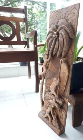 10x 44,00 Quadro Esculpido em madeira maciça, três pescadores na jangada - Foto 2