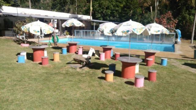 Chácara com triplex, área para festas com 3 piscinas e vagas p/ mais de 40 automóveis!! - Foto 13