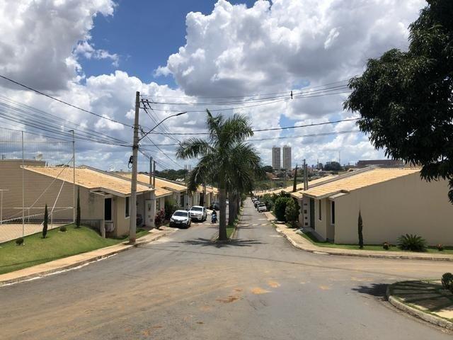 Casa cond fechado lazer completo 3 qts 2 vagas AC financiamento
