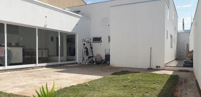 Casa 3 quartos 4 garagens condomínio fechado B. S. Maria Uberaba - Foto 13