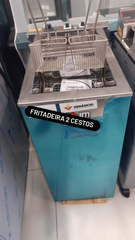 Fritadeira 2 cestos água e óleo - CAROLINA JM EQUIPAMENTOS
