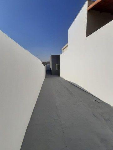 Vende-se Excelente Casa com Área Privativa no Bairro Planalto em Mateus Leme - Foto 2