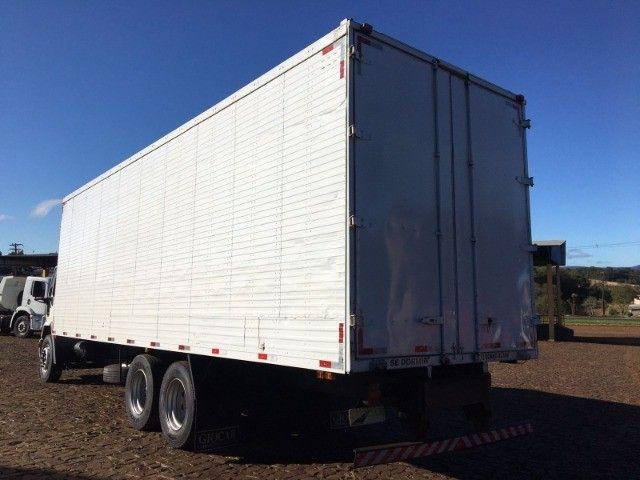 Ford Cargo 2422 6x2 - Foto 6