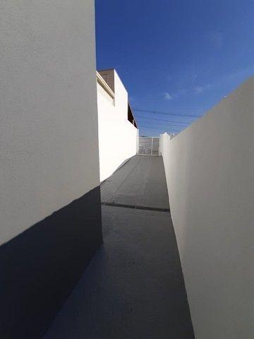 Vende-se Excelente Casa com Área Privativa no Bairro Planalto em Mateus Leme - Foto 3
