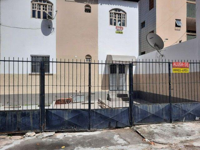 Aluga.se apartamento em Itapuã 2/4 garagem