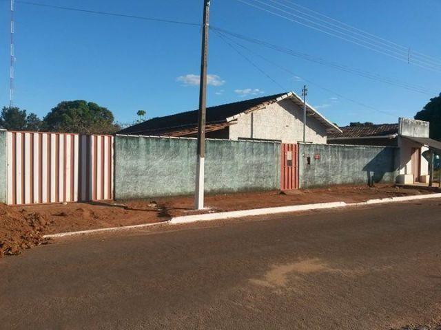 Casa em Figueirópolis com área de 1350 m2 troco por carro ou casa em Gurupi