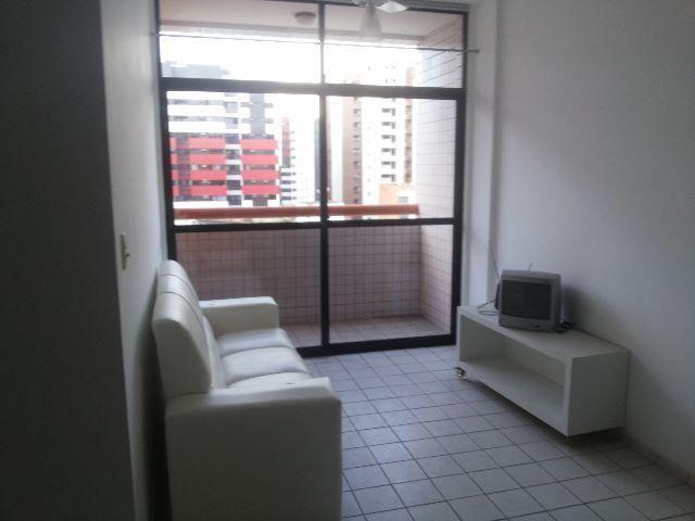 Apartamento Quarto e sala com varanda. Ponta Verde 2 quadras da praia