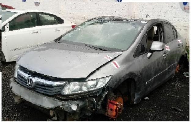 Civic 2013 sucata baixado venda apenas das peças *