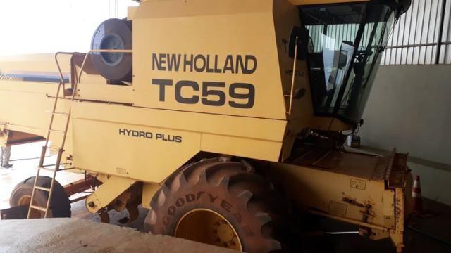Colheitadeira de Grãos New Holland TC59