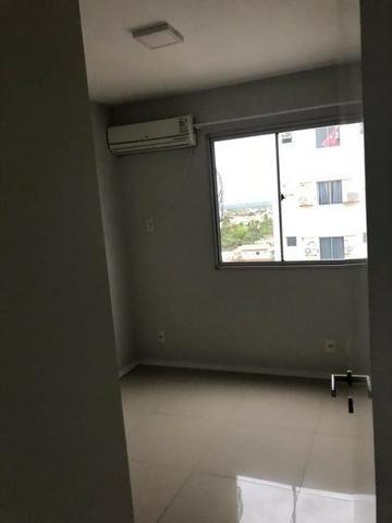 Apartamento com móveis projetados - Cond. Clube Costa Araçagi - Foto 5