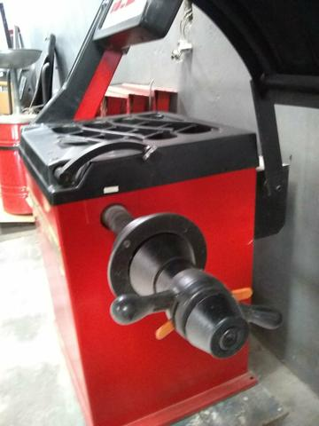 Balanceadora motorizada/ Desmontadora pneumática - Foto 5