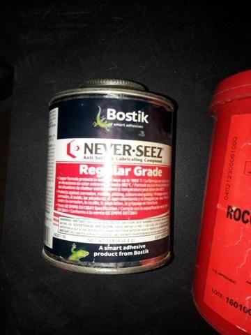 Vendo Kit 2 graxa e 1 cola selante - Foto 4