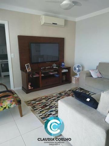 Belíssimo Apartamento 02 Quartos, Totalmente Mobiliado, na Praia do Morro!