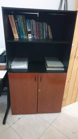 Mesa / cadeira e armário para escritório - Foto 4