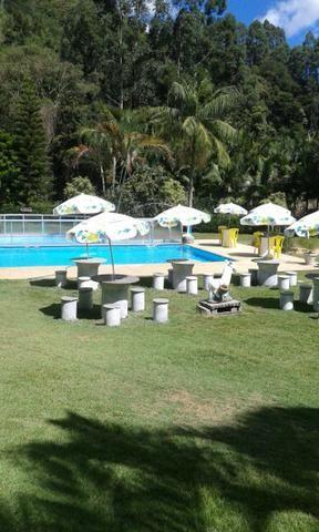 Chácara com triplex, área para festas com 3 piscinas e vagas p/ mais de 40 automóveis!! - Foto 8