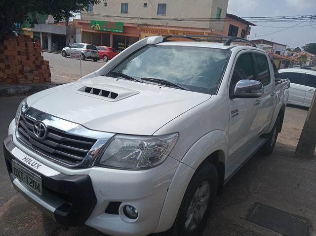 Toyota hilux srv diesel 4/4 automatica 2015
