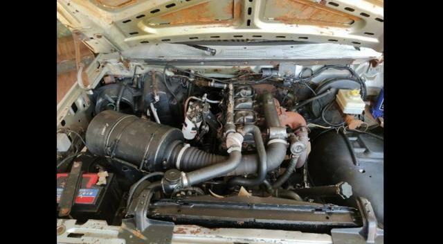 F1000 estendida p/6 pessoas diesel com ar, vidro trava alarme direção hidráulica. - Foto 5