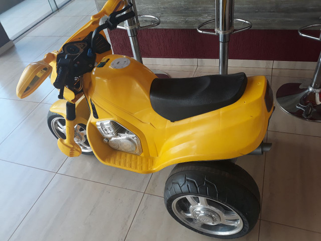 Vendo ou troco Moto triciclo elétrico  - Foto 2