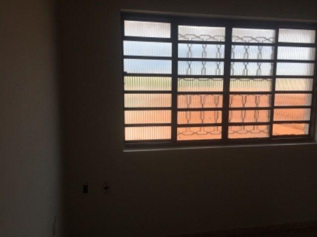 ABAIXOU: VENDE-SE PREDIO COM AREA COMERCIAL  + APTO +KIT NET NO SEGUNDO PISO - Foto 6