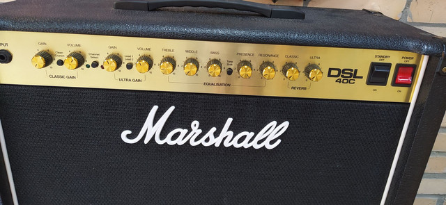 Amplificador Marshall DSL 40C  - Foto 2