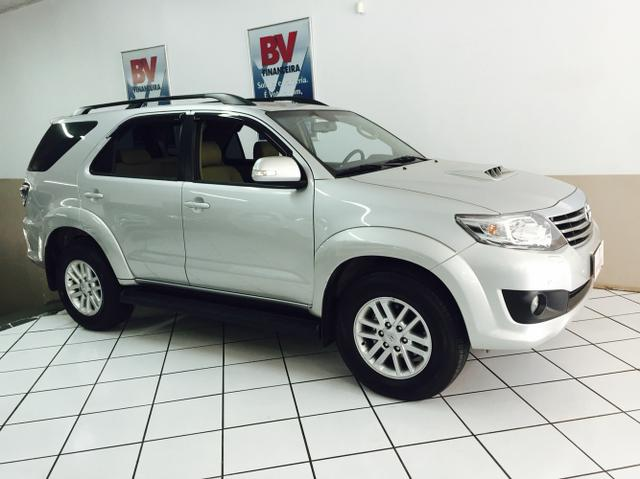TOYOTA HILUX SW4 7 LUGARES 3.000KMS