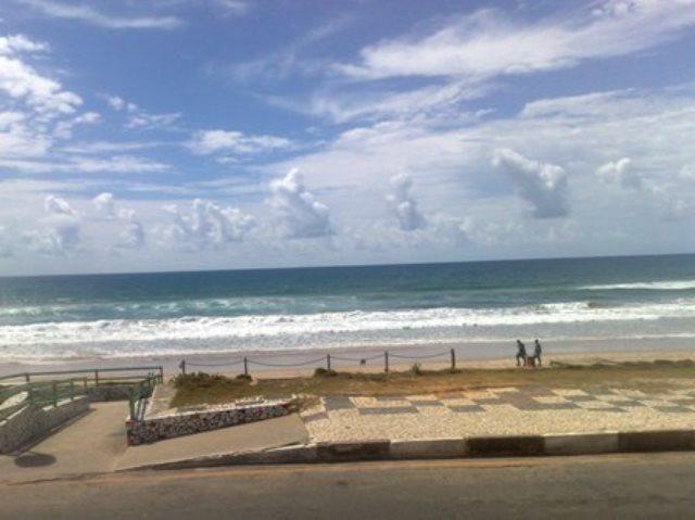 Vendo casa térrea com terreno de 1.300 m² em frente ao mar, Praia do Flamengo, Salvador - Foto 9