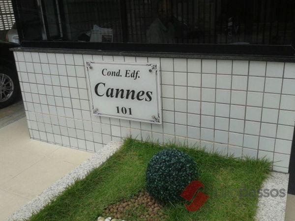 Apartamento  com 3 quartos no Edifício Cannes - Bairro Treze de Julho em Aracaju