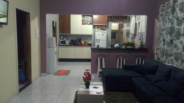 Vendo casa uma casa no loteamento Altamira na rua canamares n 130