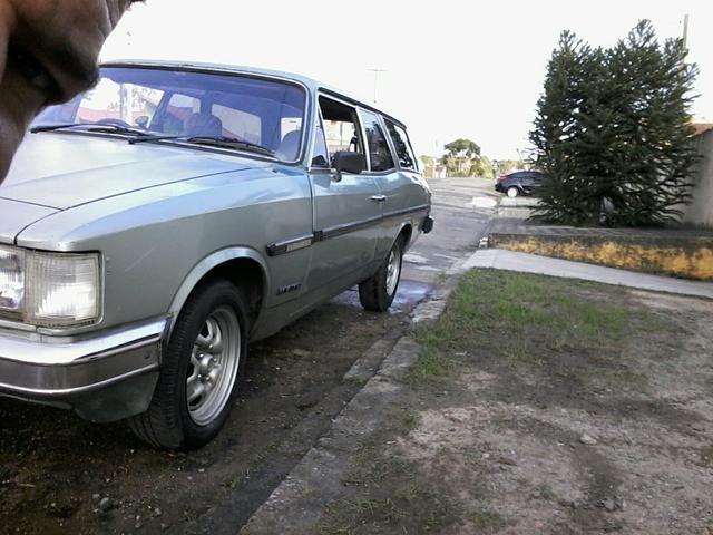 Caravan comodoro 4cc álcool ano 1982 câmbio 4marchas - Foto 3