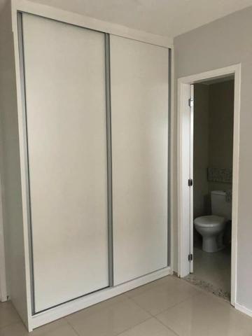 Apartamento com móveis projetados - Cond. Clube Costa Araçagi - Foto 2