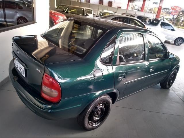 Corsa Sedan 1.0 Mpfi Mileniun 8V, 4P Manual - 2001 -Repasse- Caxias Do Sul - Foto 2