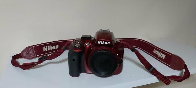 Câmera Nikon D3300 + Lente + Acessórios, troco por iphone 8 - Foto 3