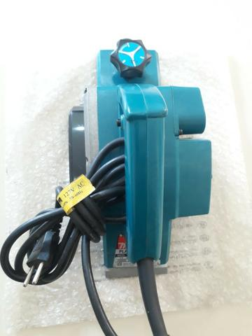 Plaina Elétrica Manual Profissional 1900 B 580W Makita (127v)